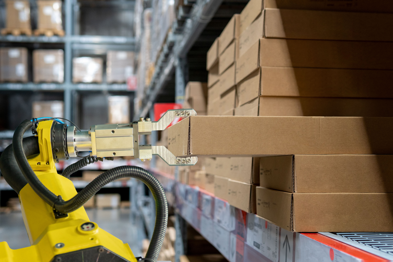 Warehouse robotics-min